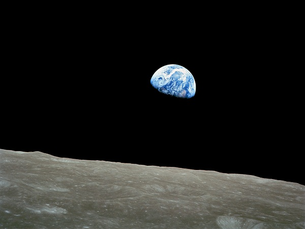 earthrise_small