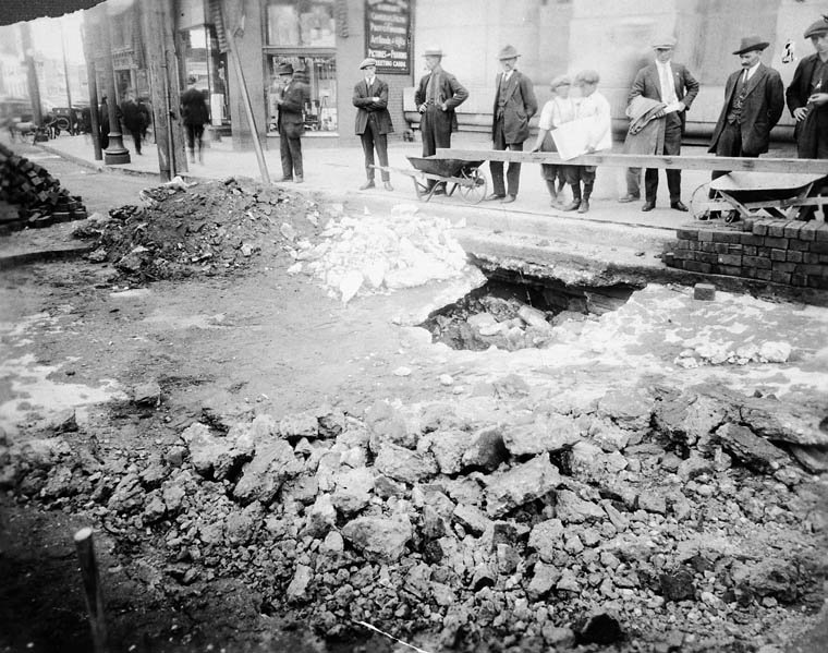 rideau-1924-sinkhole