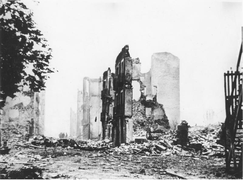 Die Ruinen von Guernica 5603/37